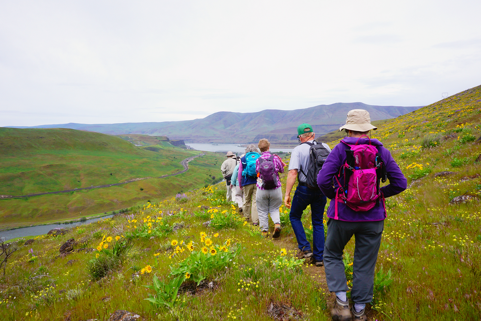 Hikers get a great view of the Gorge on the Deschutes River Trail