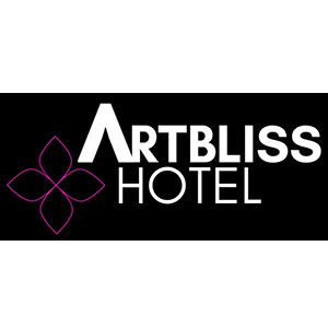 Enjoy Artbliss Hotel's cozy cottages with spanning views of the Columbia River and all the amenities of downtown Stevenson
